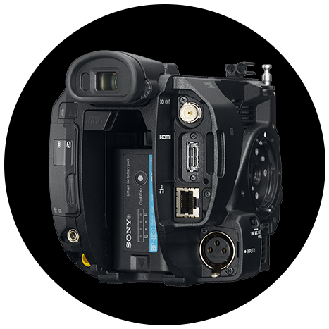 Sony FS5 II: Dual XLR inputs for applications such as shooting in a confined space, such as a car interior, or when mounting on a gimbal