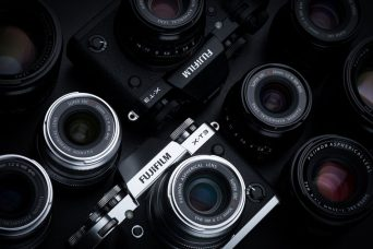 "FUJIFILM X-T3 Mirrorless Camera for Professional Videography & Night Photography: 26.1MP X-Trans CMOS 4 APS-C Sensor, 4K/60P 10Bit Recording, Fast Phase Detection AF to Entire Frame, Sports Finder Mode, 3.69-million-dot EVF, Up to 30 fps Black-out Free Fast Continuous Shooting, ""Pre-Shoot"" Function, ""Color Chrome Effect"", ""Monochrome Adjustment"" Function, Weather Resistant"