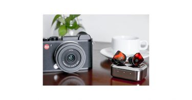 Leica CL Camera (left) and Master & Dynamic MW07 True Wireless Earphones (right)