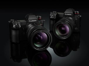 Panasonic Full-frame Mirrorless LUMIX S1R with 47.3-MP CMOS Sensor and LUMIX S1 with 24.2-MP CMOS Sensor: 4K 60p Video, Fast Precision Focusing, Dual I.S., Real View Finder, High Resolution Mode, HLG Photo Mode, Low Light Shooting at -6EV, Enhanced Focus Acquisition & Tracking Via Advanced AI, Splash/Dust/Freeze Resistant (Down to -10°C) & More