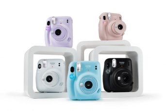 Fujifilm INSTAX Mini 11 Features New Automatic Exposure and Selfie Mode