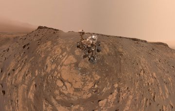 How The Curiosity Rover Takes A Selfie